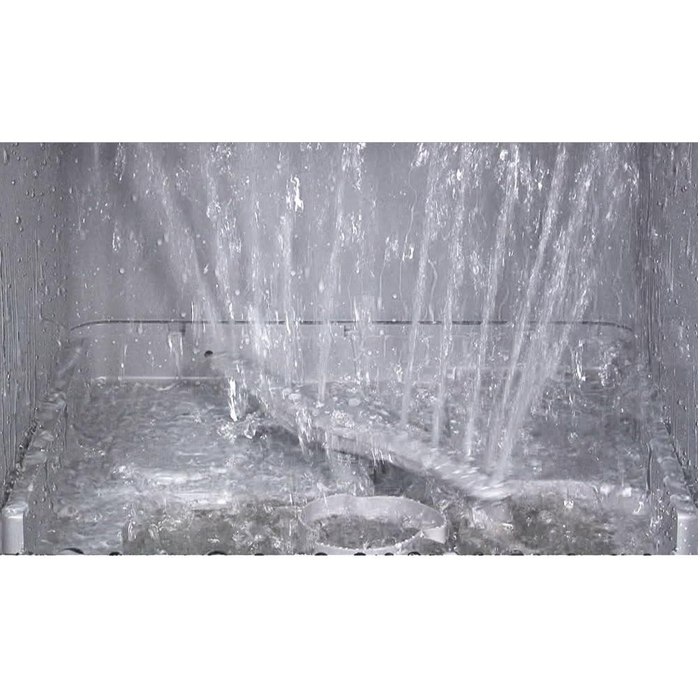 siroca/シロカ 工事の要らない食器洗い乾燥機 食器を入れたら、タンクに水を入れ、食洗機用の洗剤を投入しスイッチオン。○ノズルが360度回転して強力な水流を隅々まで届けます。