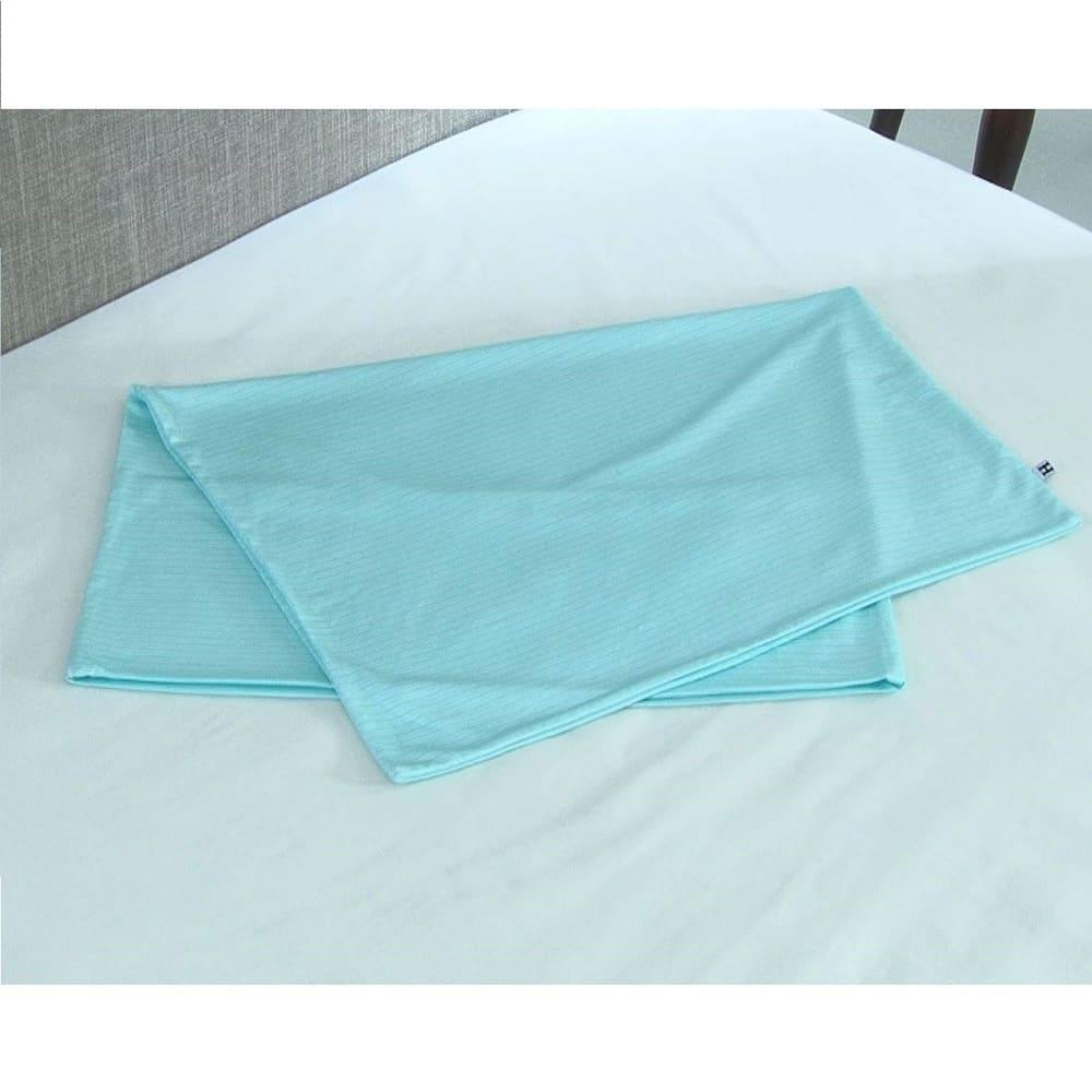 リラックスフィット枕 夏にうれしい専用の冷感カバー(別売)をご用意しました。セットでぜひどうぞ。
