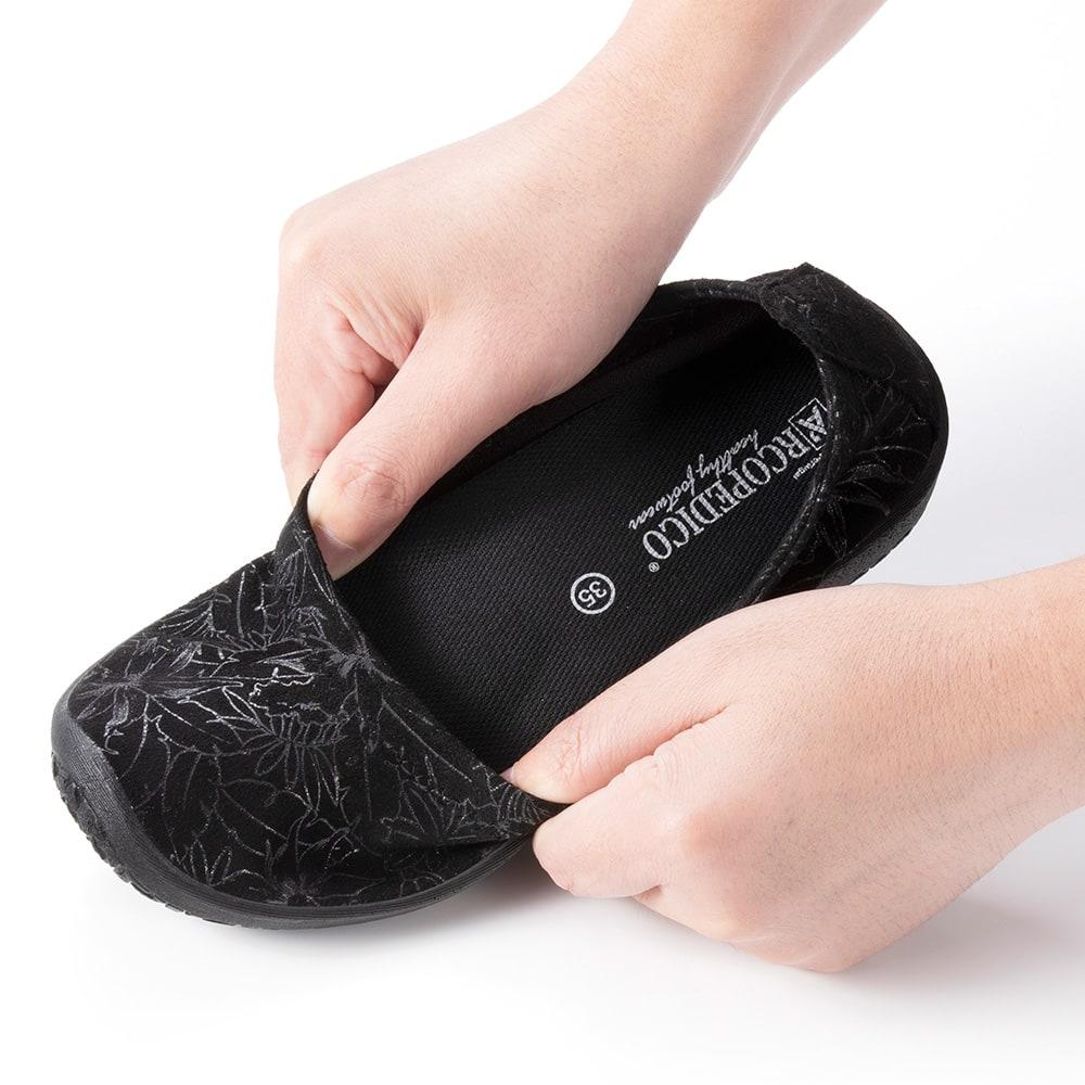 ARCOPEDICO/アルコペディコ バレエシューズ ○アッパーはこの靴のために独自開発された「ライテック」。伸縮性があり、柔らかく、まるでオーダーメイドのような履き心地。外反母趾や甲高、幅広の方にもおすすめです。