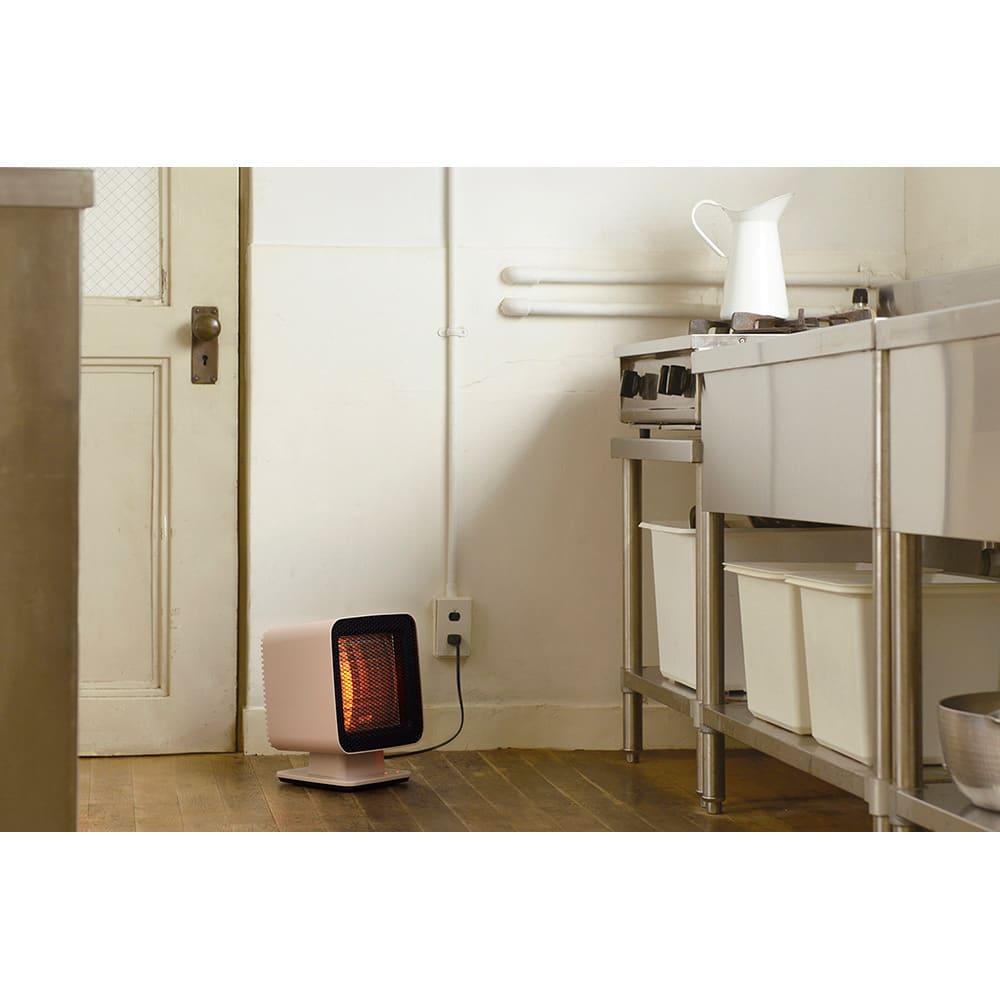 ±0/プラスマイナスゼロ リフレクトヒーター エアコンが届きにくい場所や、もともと暖房がない場所などのスポット暖房にぴったり!