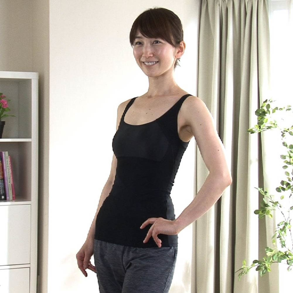 姿勢インストラクター アクティブコア タンクトップ(レディース) バージョンアップした今回モデルは、従来の「肩甲骨」に加え、お腹周りを強化!
