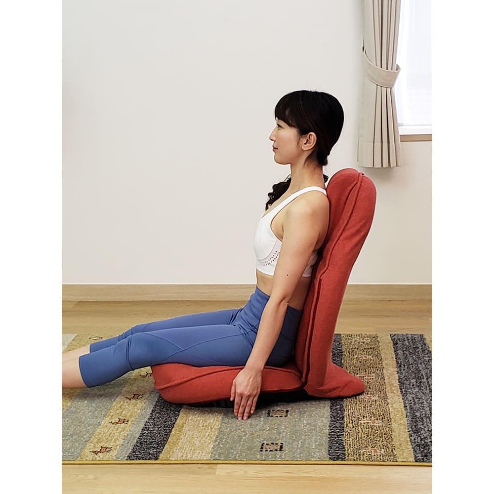 スリム座椅子 ピラトレ 姿勢を整えながらトレーニングすることで、一気に広範囲のすっきりが目指せます。○座り方は、足を伸ばす、体育座り、あぐらもOK。