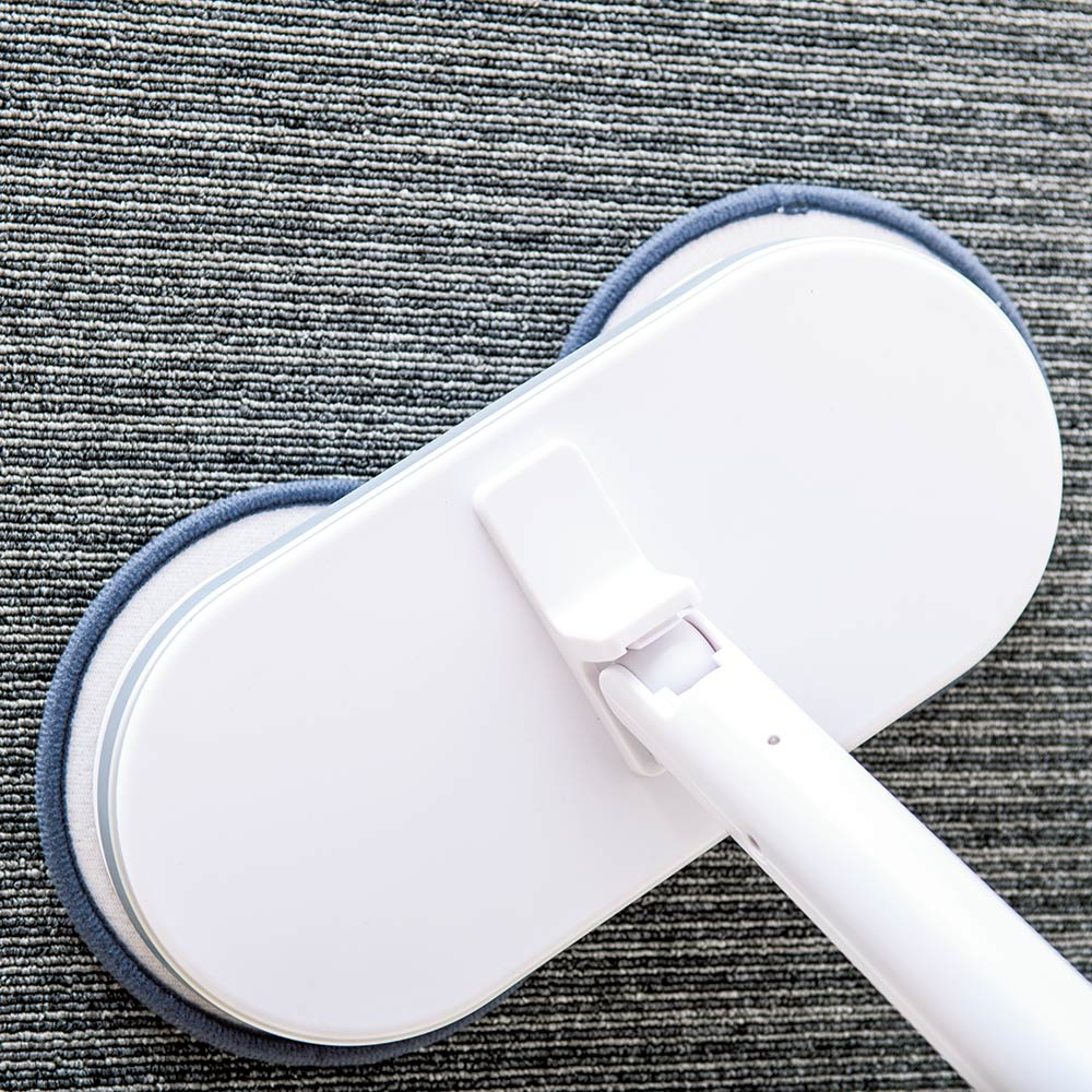 コードレス回転モップクリーナーNeo + モーターのパワーがアップしたことにより、カーペットのお掃除も可能に!