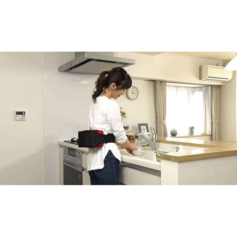 ジェットスリムボディMAX マシンを固定して体に巻いて使えるから、家事をしながらもリフレッシュできます。※きつく締めすぎないよう注意しましょう。