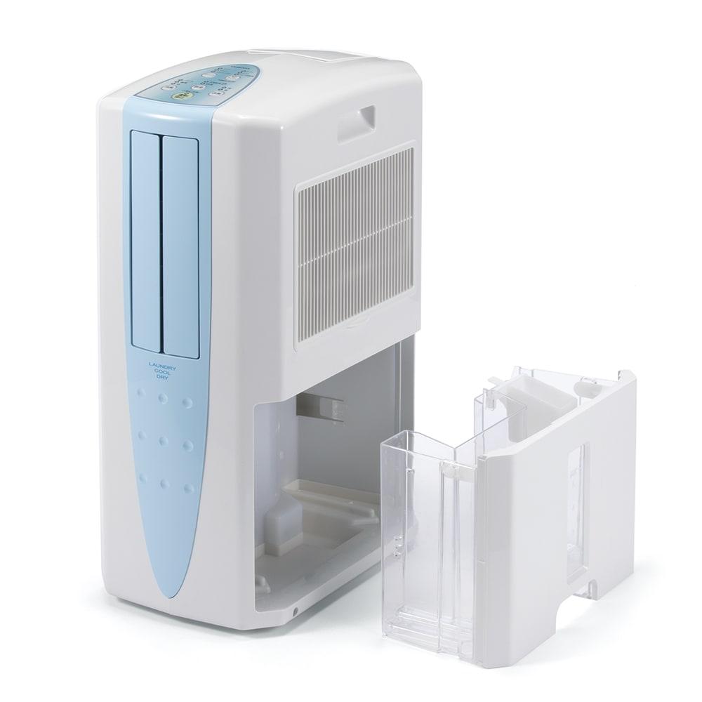 冷風衣類乾燥除湿機 除湿…1日の除湿能力は最大10L※1!タンクは大容量5.8L!水捨て回数が少なくて済みます。タンクが満水になったら自動で運転停止。タンクは持ち運びに便利なハンドル付き。