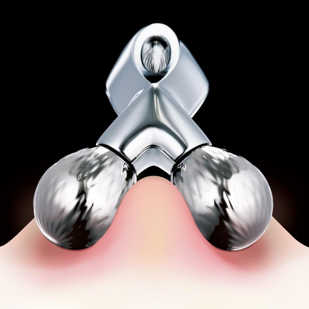 ReFa DUO/リファデュオ プロのエステティシャンの手技「ニーディング」の複雑・高度な動きを応用。肌の吸い付き力が強く、そのままローリングすることで肌への負担を軽減。(※画像はイメージです)