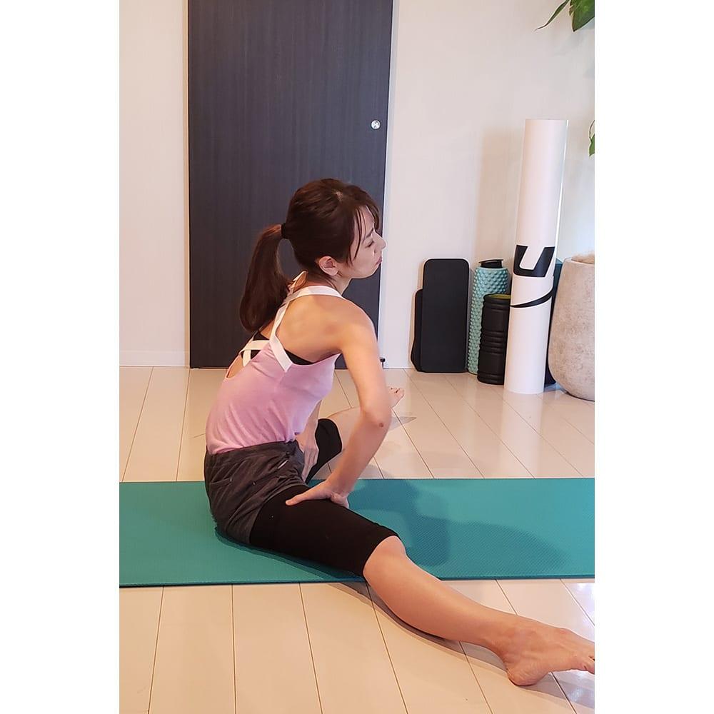 エアリーツイストボディ 自分で行うストレッチで骨盤を立たせるのは、力んで筋肉が緩みにくくしんどい・・・