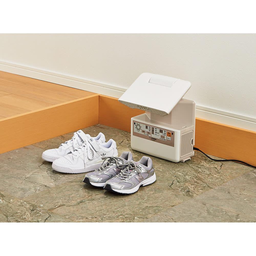 象印 布団乾燥機プレミアム ブーツや運動靴の乾燥に!お子さんの上履きなどにも重宝。