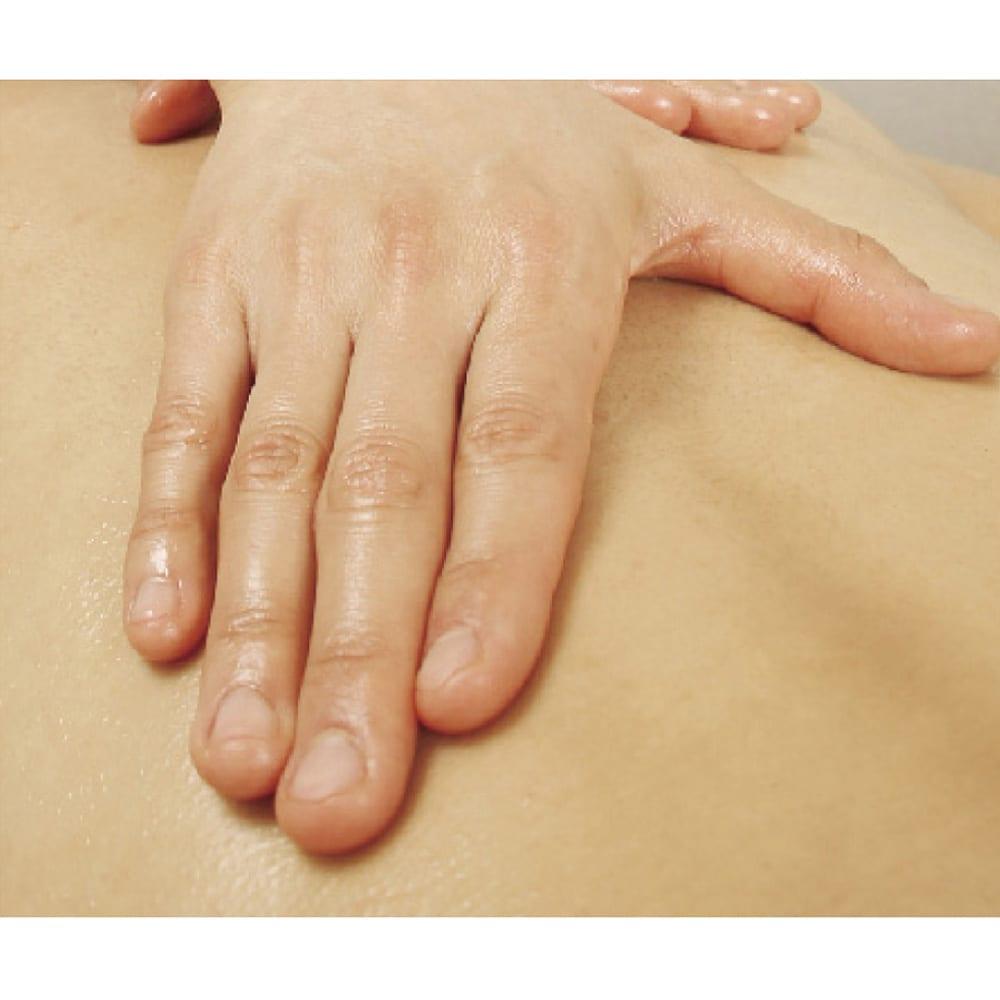 セルスルーエステ 5分袖+ガードルセット(上下同色同サイズ) エステティシャンの施術では、最後の仕上げに【流す】を行います。 ※イメージ