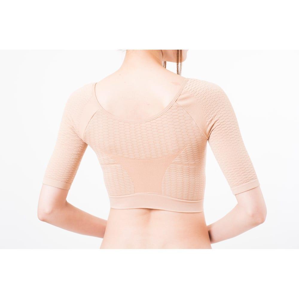 セルスルーエステ 5分袖+ガードルセット(上下同色同サイズ) トップス後ろ/背中中央の強リブ編みが 背筋をサポートし、美姿勢に整える。背中のお肉や段々をサポート。