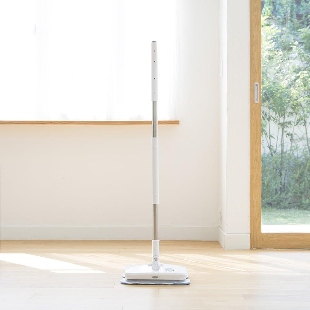 livease/リヴィーズ コードレス電動モップ しっかり自立するので場所を取らずに収納可能。使いたい時にサッと取り出せます。 ○お掃除の途中で手をはなしてもそのまま自立!