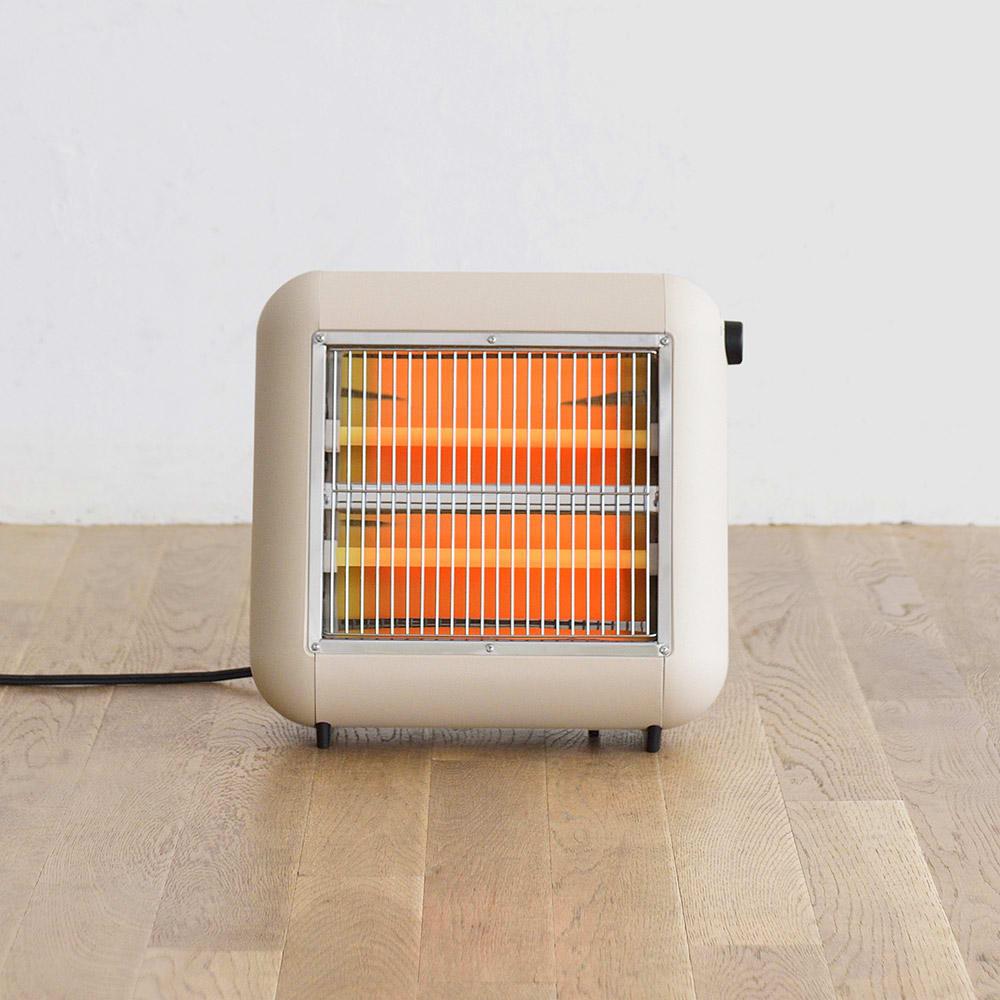±0/プラスマイナスゼロ 遠赤外線電気ストーブ (ア)ベージュ 熱効果が大きく、体に浸透しやすい遠赤外線タイプ。 体の内側から効率よく暖まります。