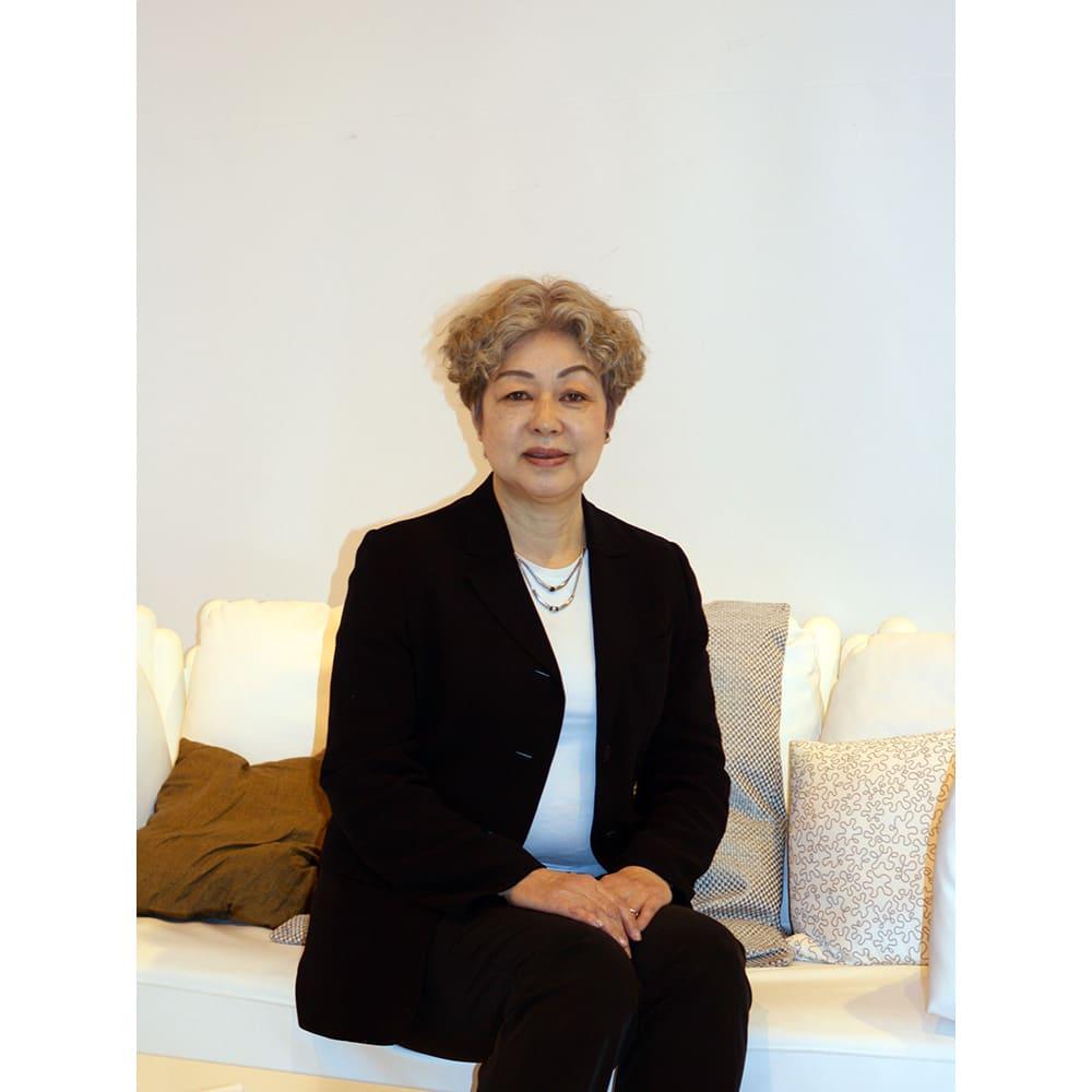 土井千鶴プロデュース 美姿勢ボディスーツ 土井千鶴 先生/快適ランジェリー研究家・ボディファッションコンサルタント。