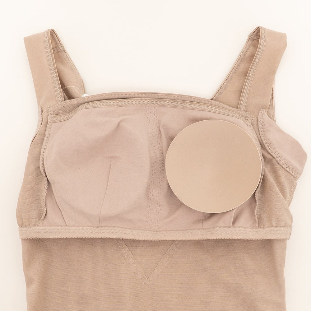 【旧モデル】BRADELIS NewYork/ブラデリスニューヨーク バストアップシェイパーブラキャミ 【カップ】カップ付きなのでブラなしでOK。内側は肌触りの良い綿混素材。