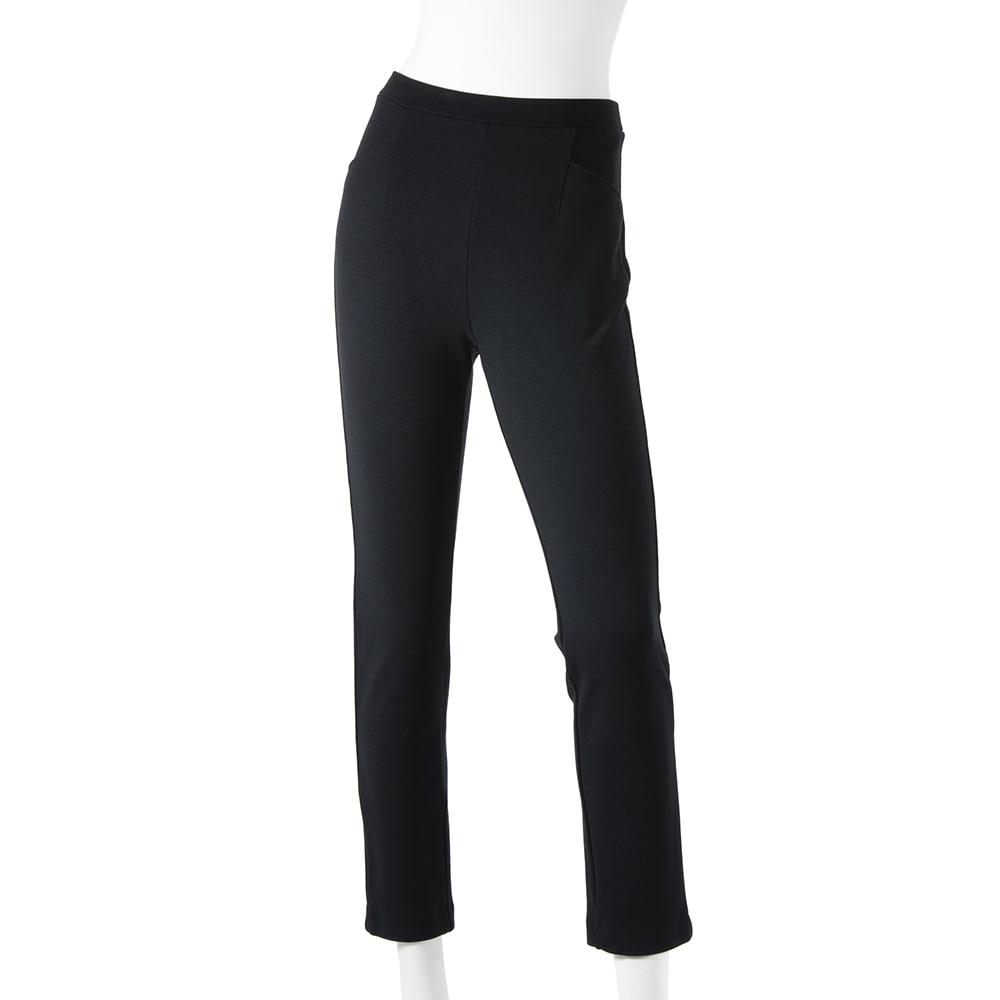 ARIKI あったか大人パンツ (ア)ブラック…締まって見えるブラックは、この時期1本は欲しい定番カラー!ブーツとの相性も◎。