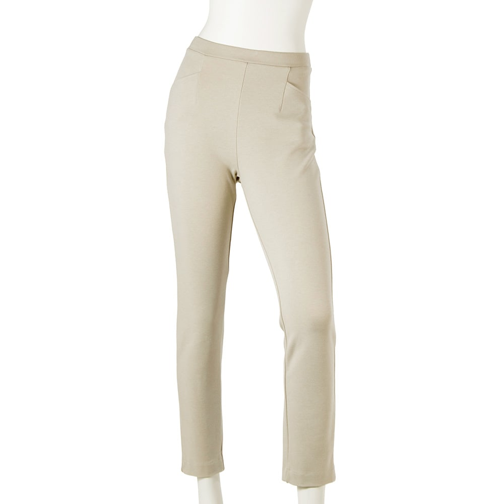 ARIKI あったか大人パンツ (ウ)オフベージュ…ダーク系の装いが多くなる秋冬に、明るい色のパンツはとってもオシャレ!