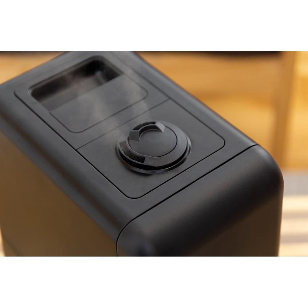 ハイブリッド抗菌加湿器 アクアバースト ○2つのミスト吹き出し口は、回転させて吹き出す方向を調整。