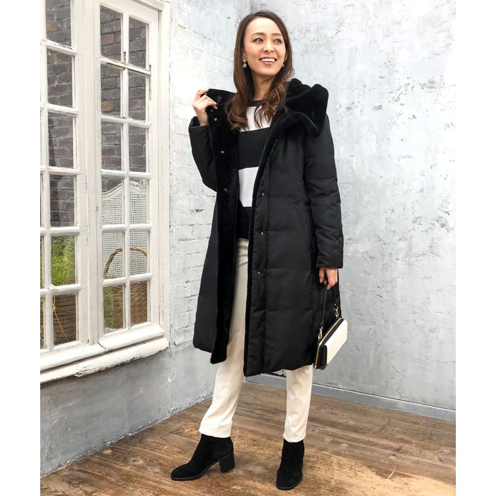 美シルエット ロングダウンコート ○ウエストを程よく絞ったAラインはバランス感も良く、スカート、パンツ、ワンピースなど様々な装いに合わせやすい。 (ア)ブラック