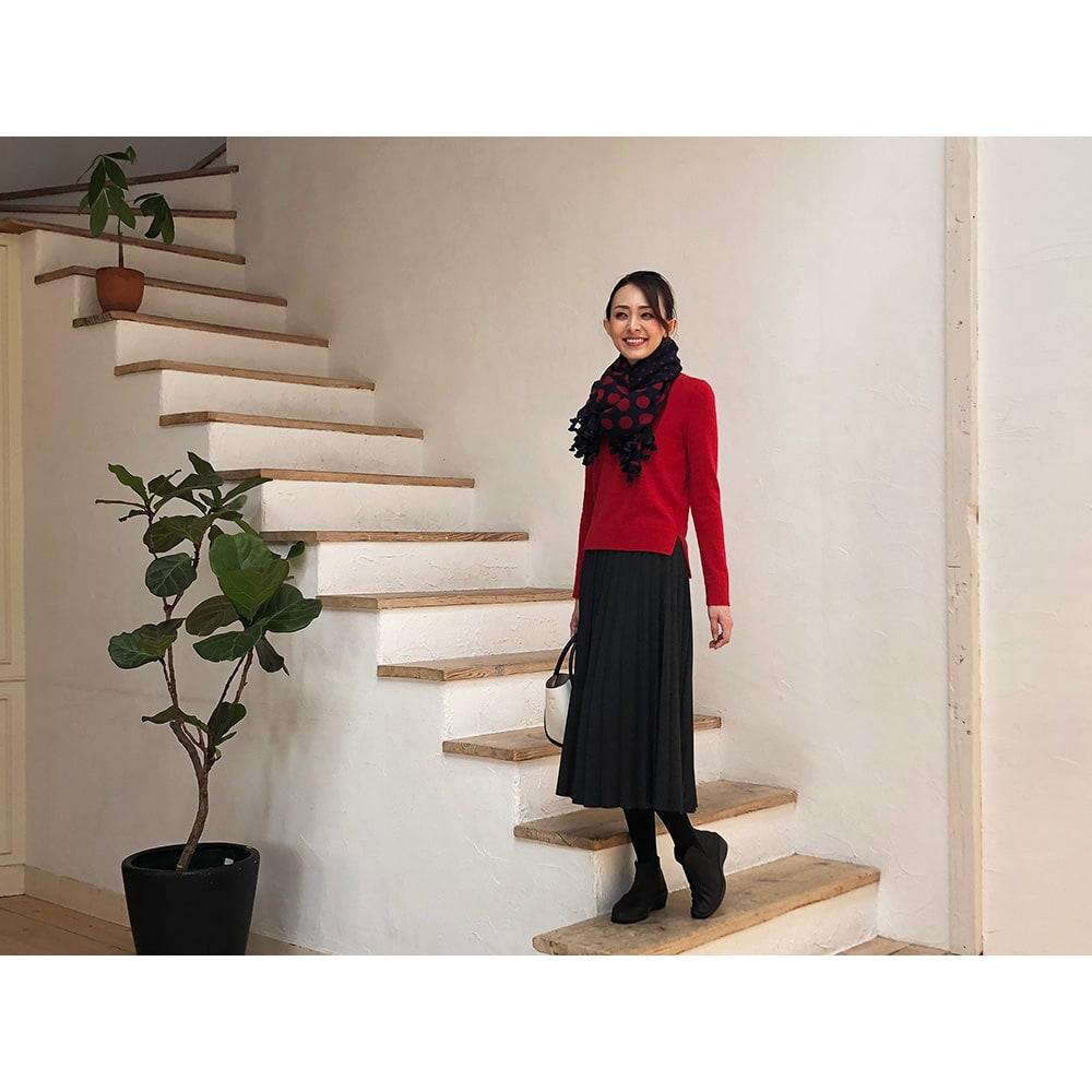ARCOPEDICO/アルコペディコ サイドゴアショートブーツ シンプルでスマートなショートブーツは今シーズンも必須アイテム!中でも人気の定番サイドゴアは服を選ばず、ヘビロテで活躍します。 ○フェミニンなプリーツスカートに合わせるとこんなに素敵!女性らしさがアップします。