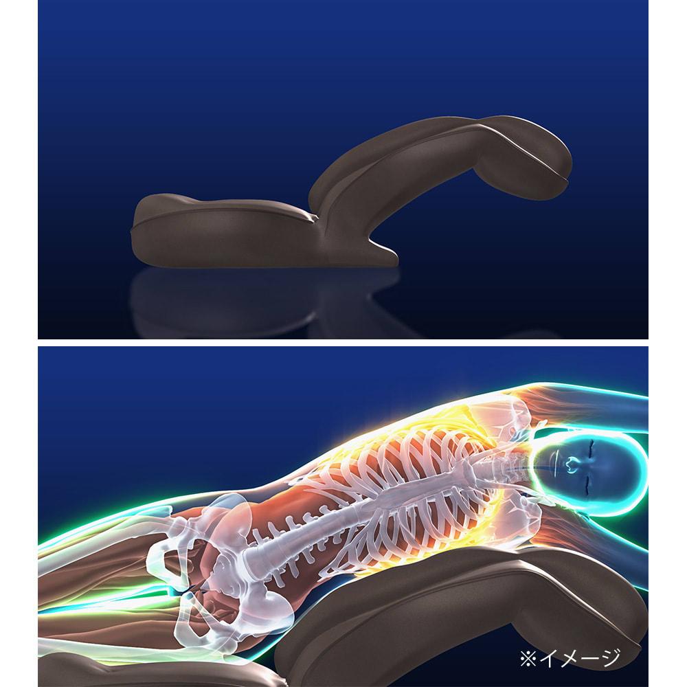 スリム座椅子 ピラトレ しっかり支えられた状態で、首までラクに反るストレッチが可能。トレーナーがいなくてもここまで伸ばせるのはこのストレッチ形状ならでは