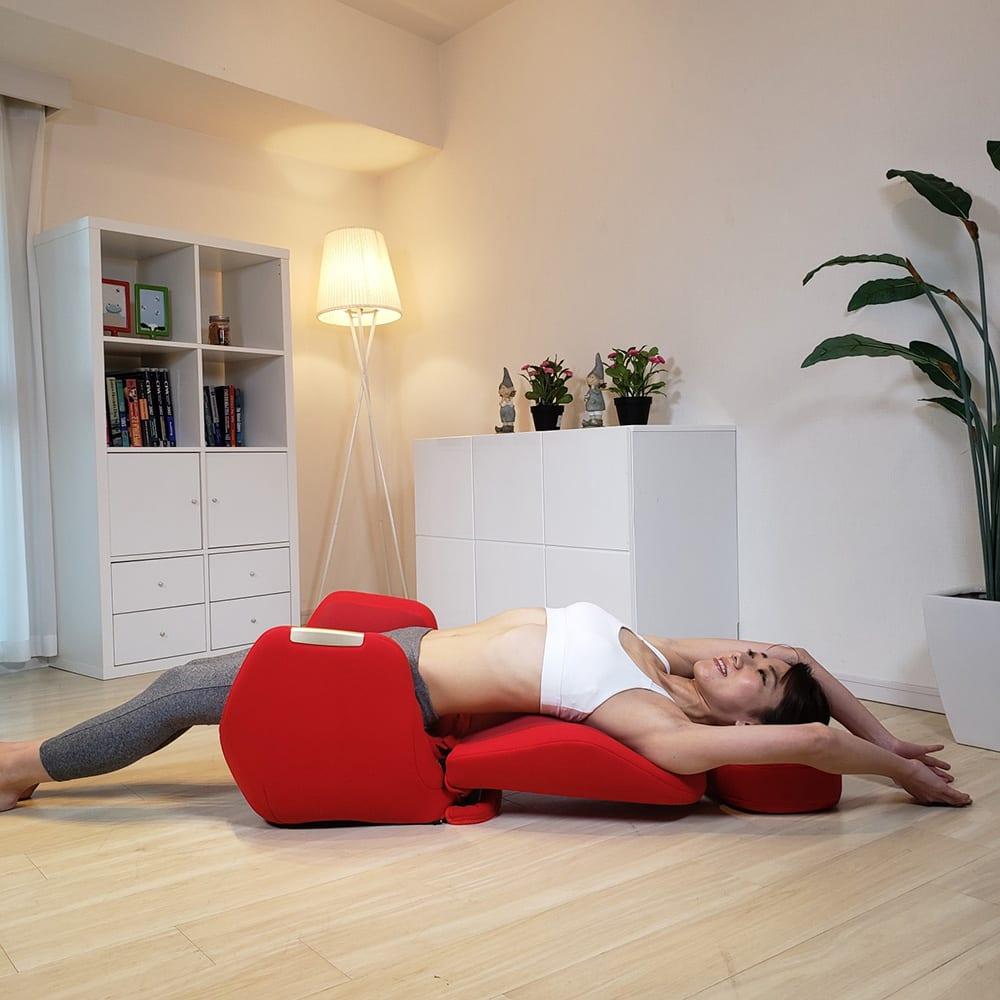エアリーツイストボディ 背もたれがリクライニングしてフラットな状態に!寝たままでも使えます。 ※専用クッションは別売りです