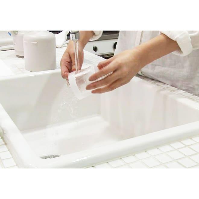 ±0/プラスマイナスゼロ コードレスクリーナー ダストボックスとフィルターは水洗い可能で、いつでも清潔に使えます。