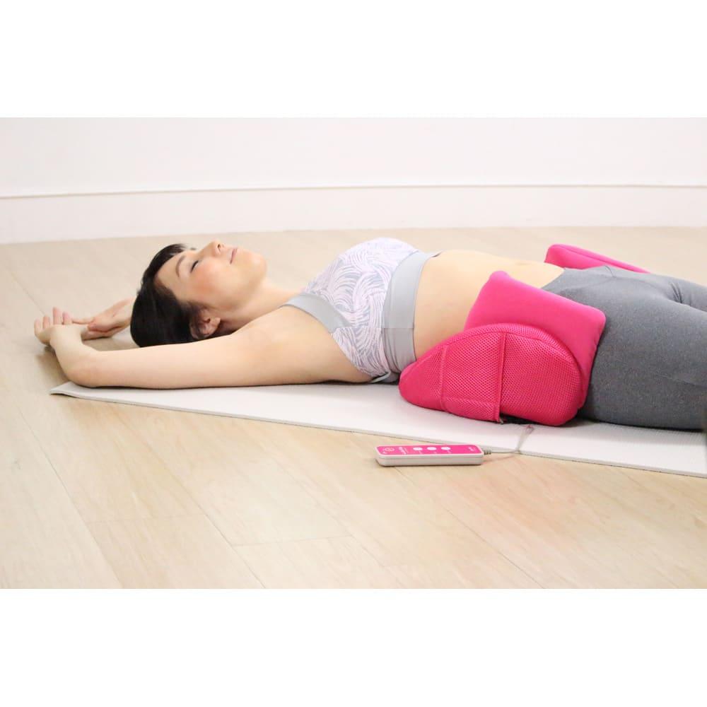 エアプリエ スイートプレミアム 寝ているだけで「伸ばす」&「ひねる」ストレッチ!背面のエアーバッグで、お腹周りを伸ばす&くびれも目指せちゃう。
