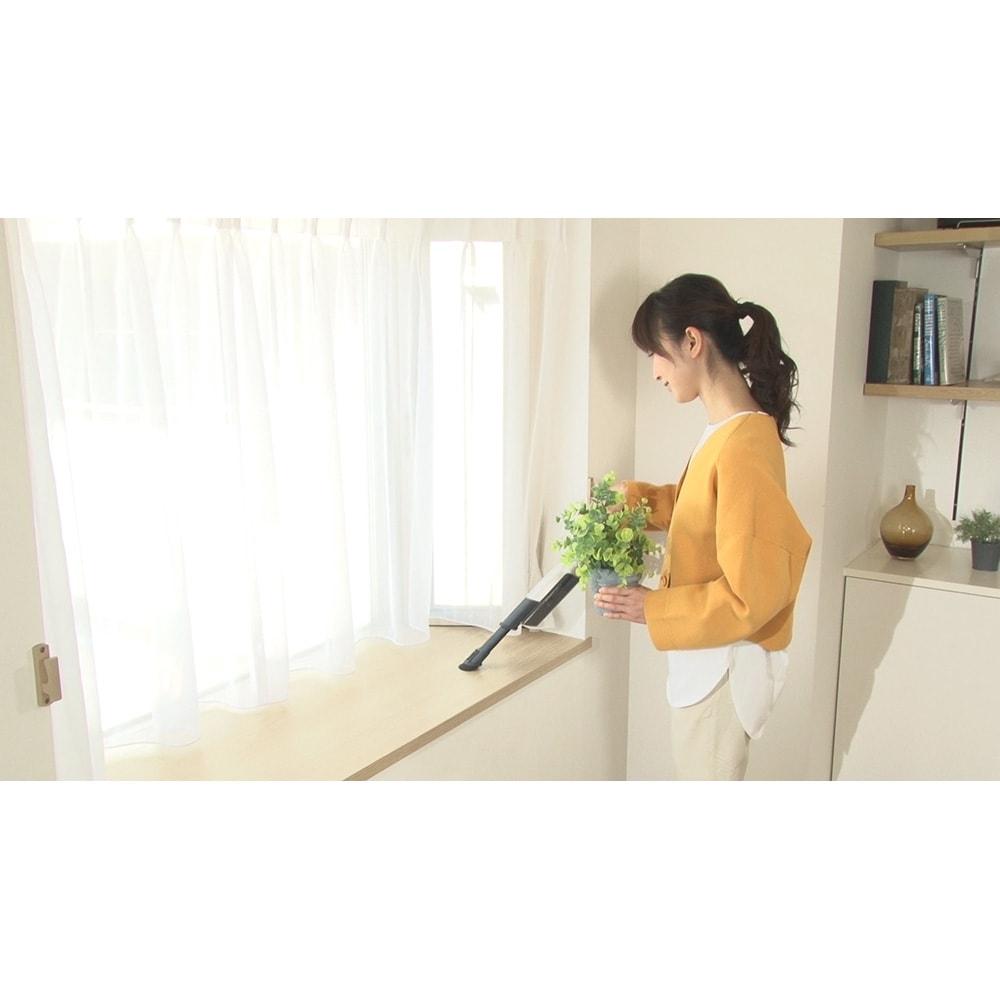 siroca/シロカ 超軽量コードレス スティッククリーナー ハンディークリーナーなら重さはわずか600g!とにかく軽いからソファやテーブル、棚などもラクラクお掃除。