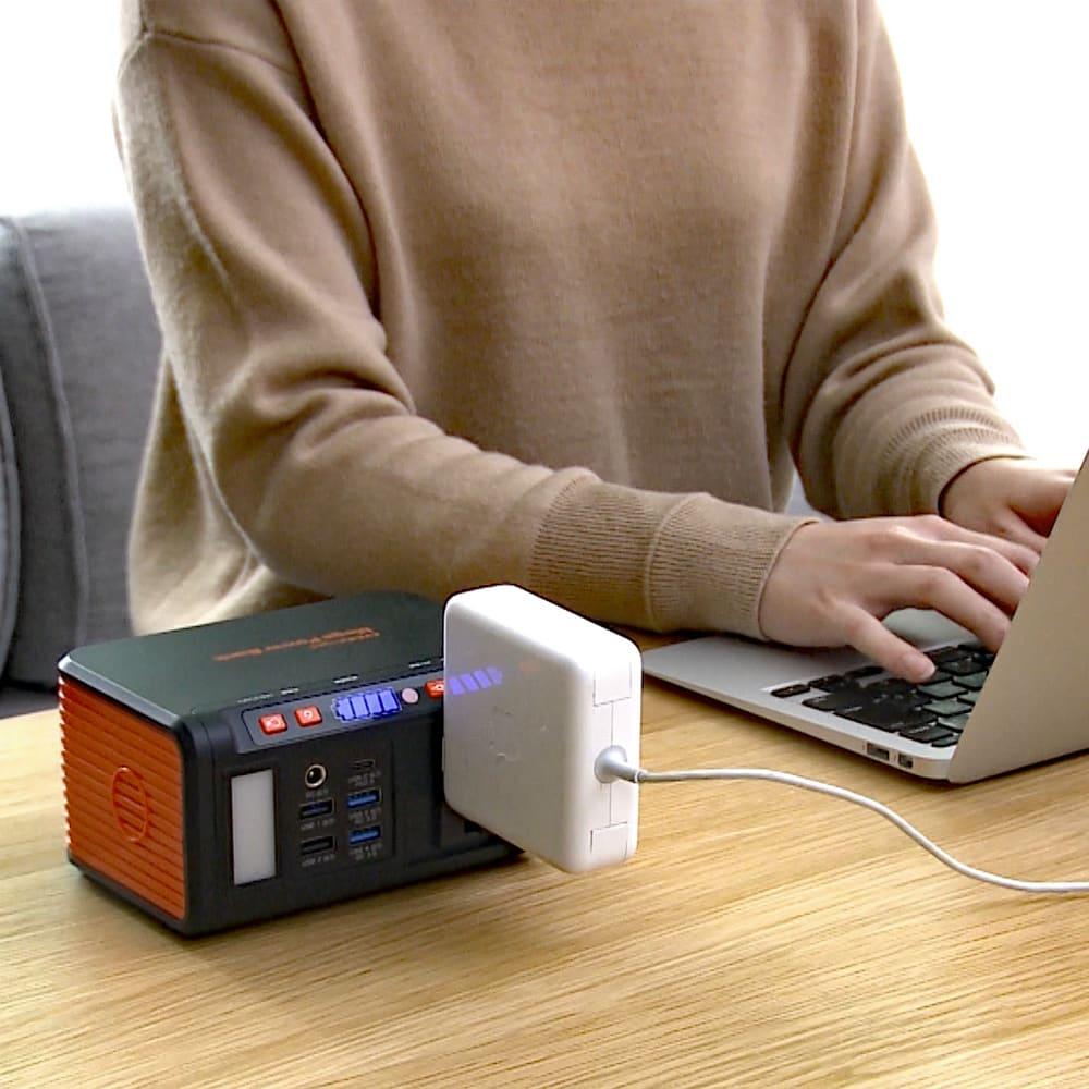 メガパワーバンク・ソーラーパネルセット 様々な電源に対応しているので日常使いにも