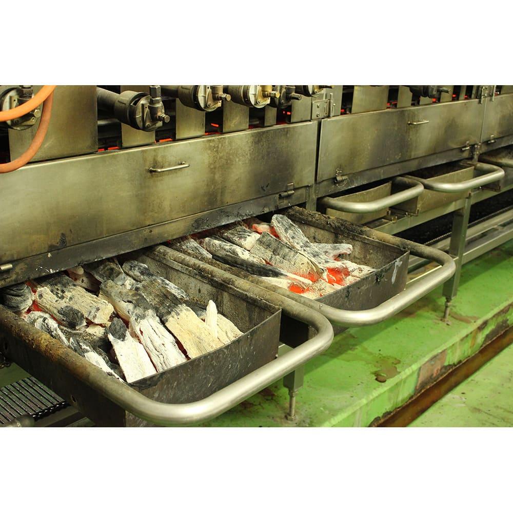 国産うなぎ ワケあり 60g×10食セット 【炭火焼き】白焼き工程の一部で炭火焼きをして、鰻に香ばしい炭の香りをつけています