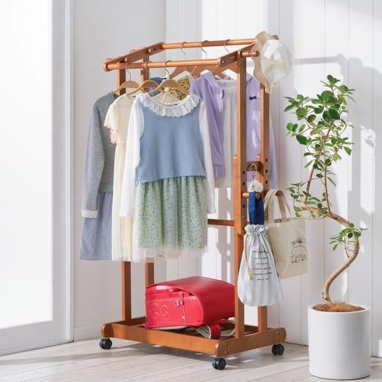小学生の洋服は「掛ける」「たたむ」をうまく使い分けて、ラクに収納!