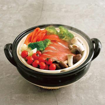 伊賀焼ヘルシー蒸し鍋で作る 魚介と野菜の蒸し物