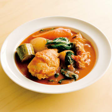 クリステル鍋で作る鶏肉と野菜の煮込み
