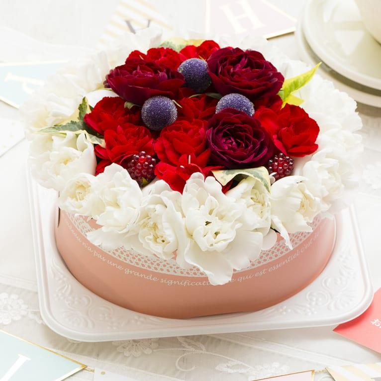 お花で作ったケーキアレンジメント