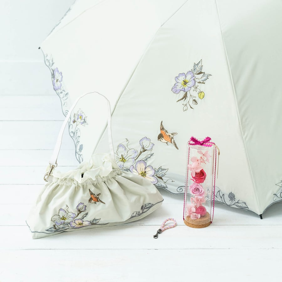 【母の日花ギフト】折り畳みミニ日傘芙蓉とプリザーブドフラワーボトルセット<br> 9,900円(税込