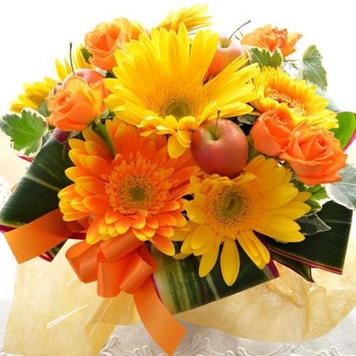 キュートなアレンジ YellowCandy<br>3850円(税込)