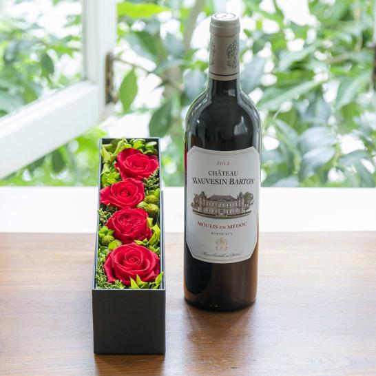 フランスのボルドー赤ワインとプリザーブドフラワーのギフトセット<br>11,000円(税込)