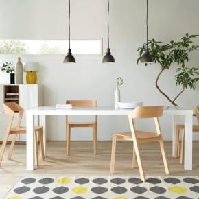 おしゃれな部屋にする3つのポイント<br />照明・壁・観葉植物にこだわって憧れの部屋作り