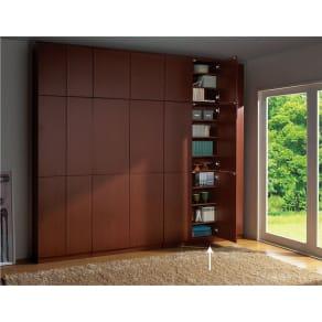 天井突っ張り式壁面ラック 扉タイプ上置き付き 幅120.5奥行32本体高さ235cm