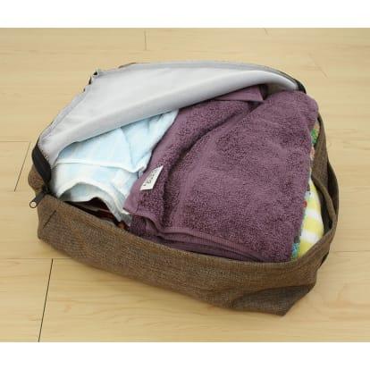 タオルやブランケットがクッションになる収納袋