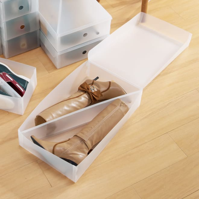 中身がほどよく見える半透明ブーツケース 3個組 写真は、女性靴用+男性靴用+ブーツケースのイメージです。