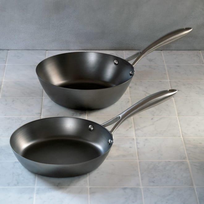 vitacraft/ビタクラフト スーパー鉄 コンパクト2点セット フライパン径20cm&炒め鍋径22cm 特典付き 少人数の家庭はもちろん、お弁当のちょっとしたおかず作りにも活躍します。