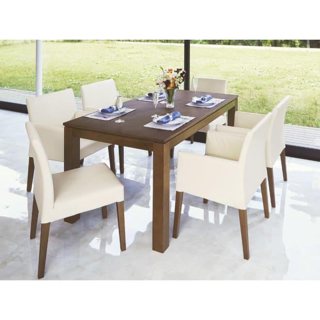 ウォルナット天然木モダンスクエアダイニング テーブル・幅150cm 気品と風格あふれるダイニングを演出するスクエアフォルム。 ※お届けはテーブル・幅150cmのみです。