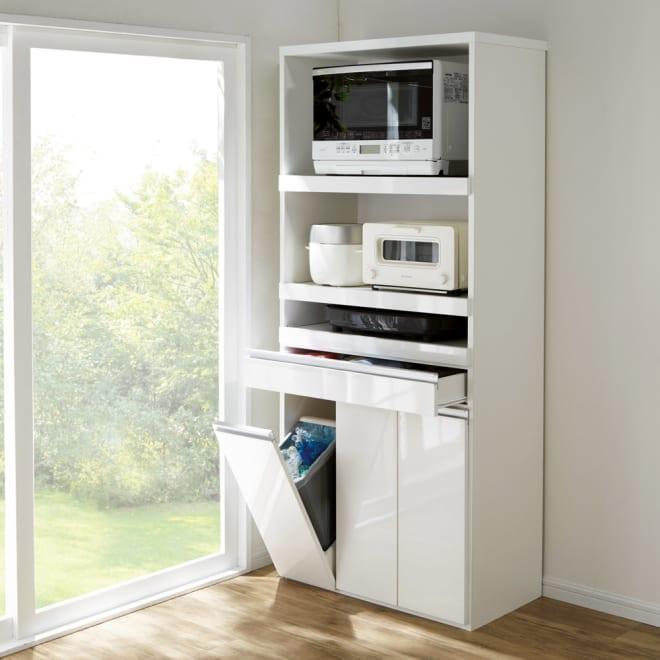 ふた開閉ゴミ箱付き家電収納庫 3分別 ハイタイプ 幅76cm高さ178cm奥行41cm 食器などを置く余裕のあるスライドテーブルは、料理中の作業台としても便利。