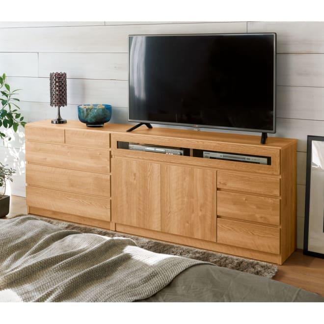 【完成品・国産家具】ベッドルームで大画面シアターシリーズ チェスト 幅80高さ70cm コーディネート例(エ)ブラウン ※お届けはチェスト幅80mタイプです。