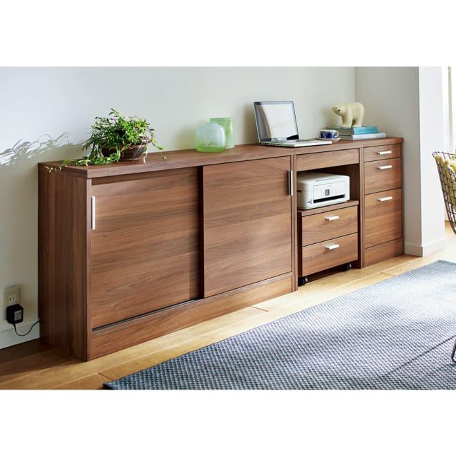 奥行35cm薄型ホームオフィス 引き戸 幅120cm コーディネート例(イ)ダークブラウン ※お届けは引き戸幅120cmです。