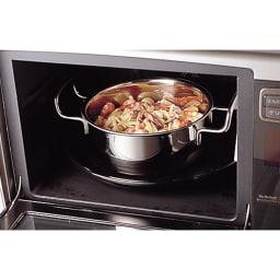 IH対応 服部先生のステンレス7層構造鍋「ジオ」 浅型両手鍋径25cm オールステンレス製なので、鍋ごとオーブンに入れられ、料理の幅がぐっと広がります。