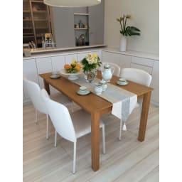 ナチュラルモダン伸長式オーク天然木ダイニングテーブル・幅110・150奥行75高さ70cm テーブルコーディネートも美しく映えるデザインです。