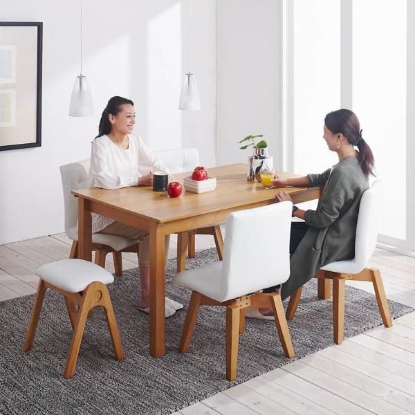 ナチュラルモダン伸長式オーク天然木ダイニングテーブル・幅135・180奥行85高さ70cmのコーディネート