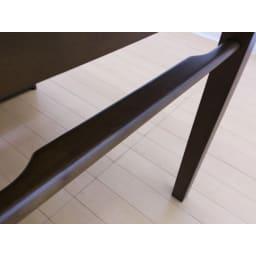 伸長式ダイニングシリーズ お得な6点セット(伸長テーブル大+ベンチ大+チェア4脚) バー部分はベンチをぶら下げやすい作りに。